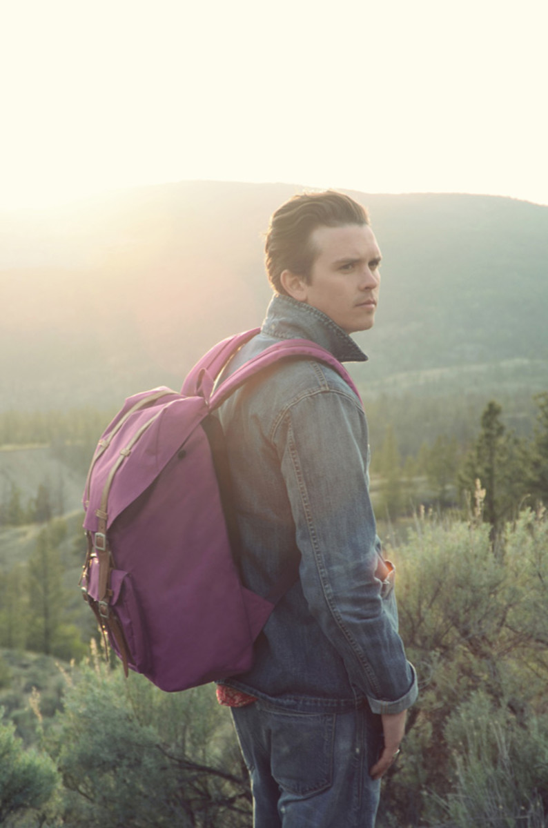herschel-supply-co-spring-2013-collection-lookbook-video-09