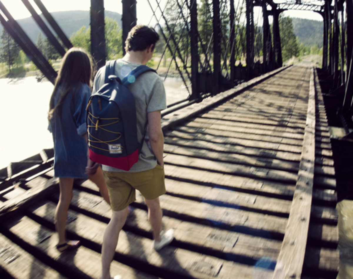 herschel-supply-co-spring-2013-collection-lookbook-video-17