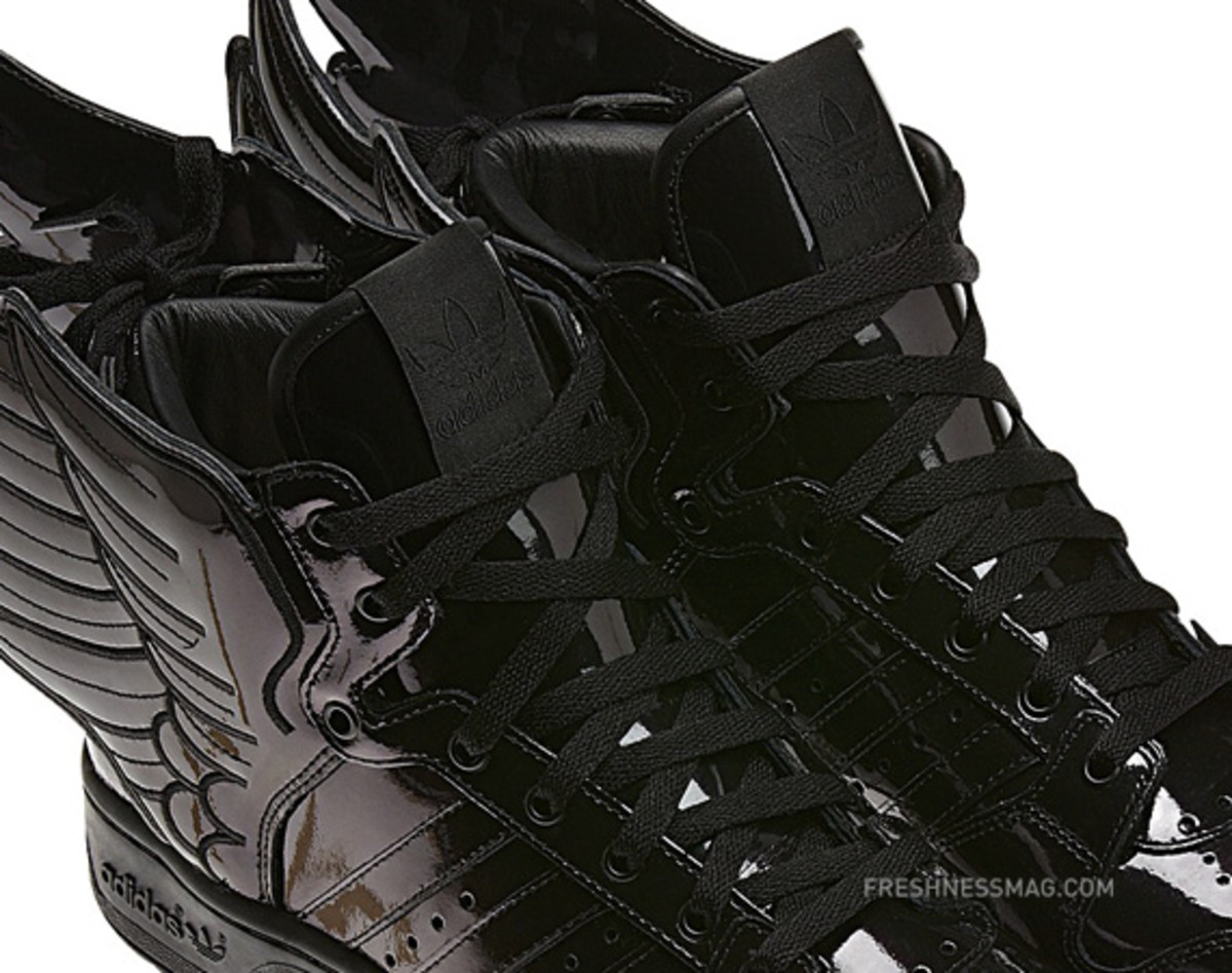 adidas-originals-jeremy-scott-js-wings-2-0-patent-leather-q23668-10