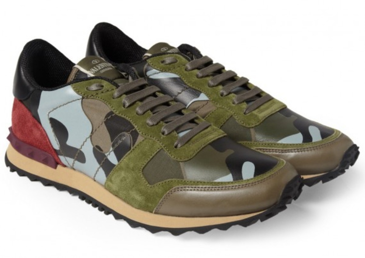valentino-camouflage-print-leather-and-suede-sneakers-02