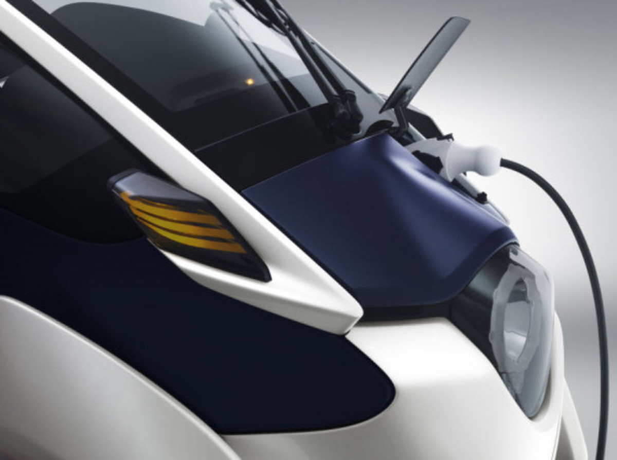 toyota-i-road-personal-mobility-concept-9