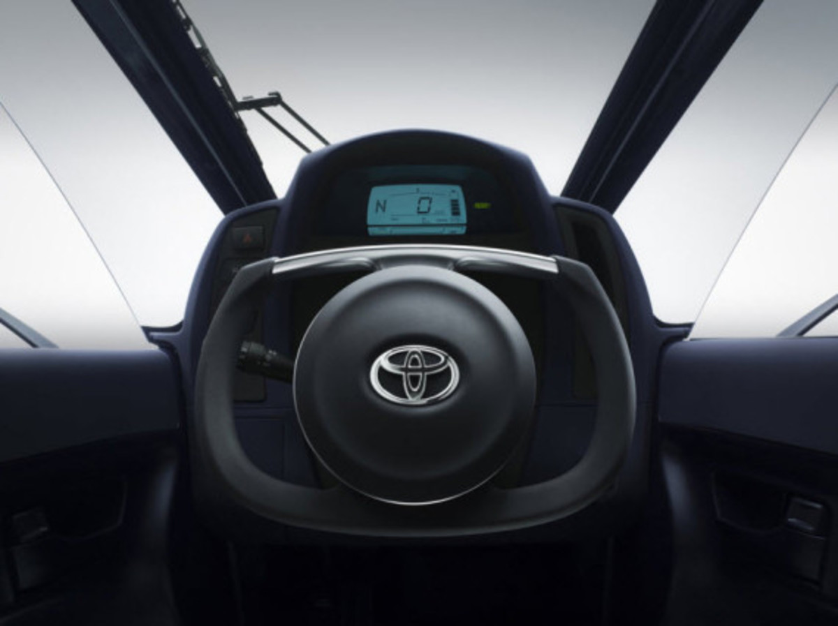 toyota-i-road-personal-mobility-concept-10
