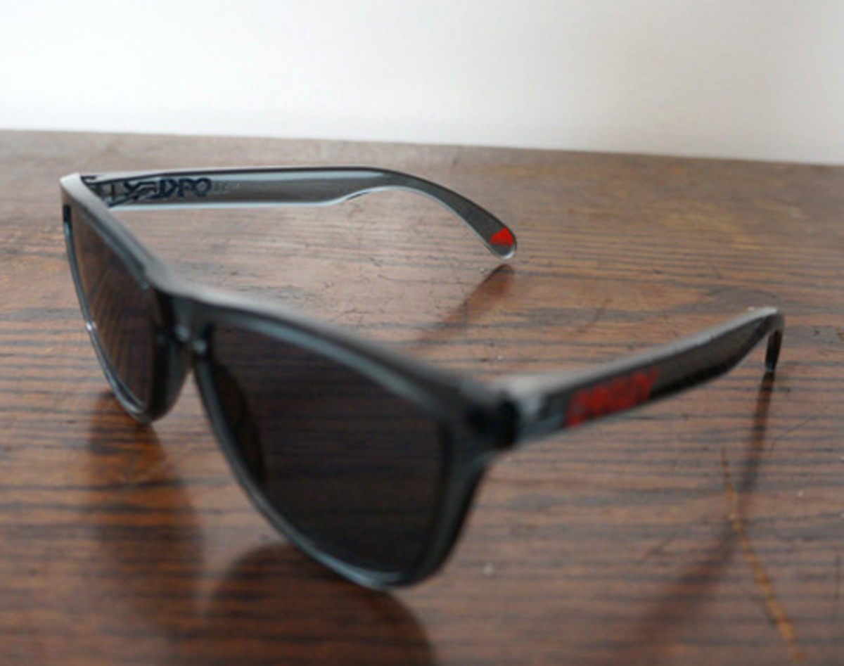 oakley-for-fairends-eyewear-collection-spring-2013-a