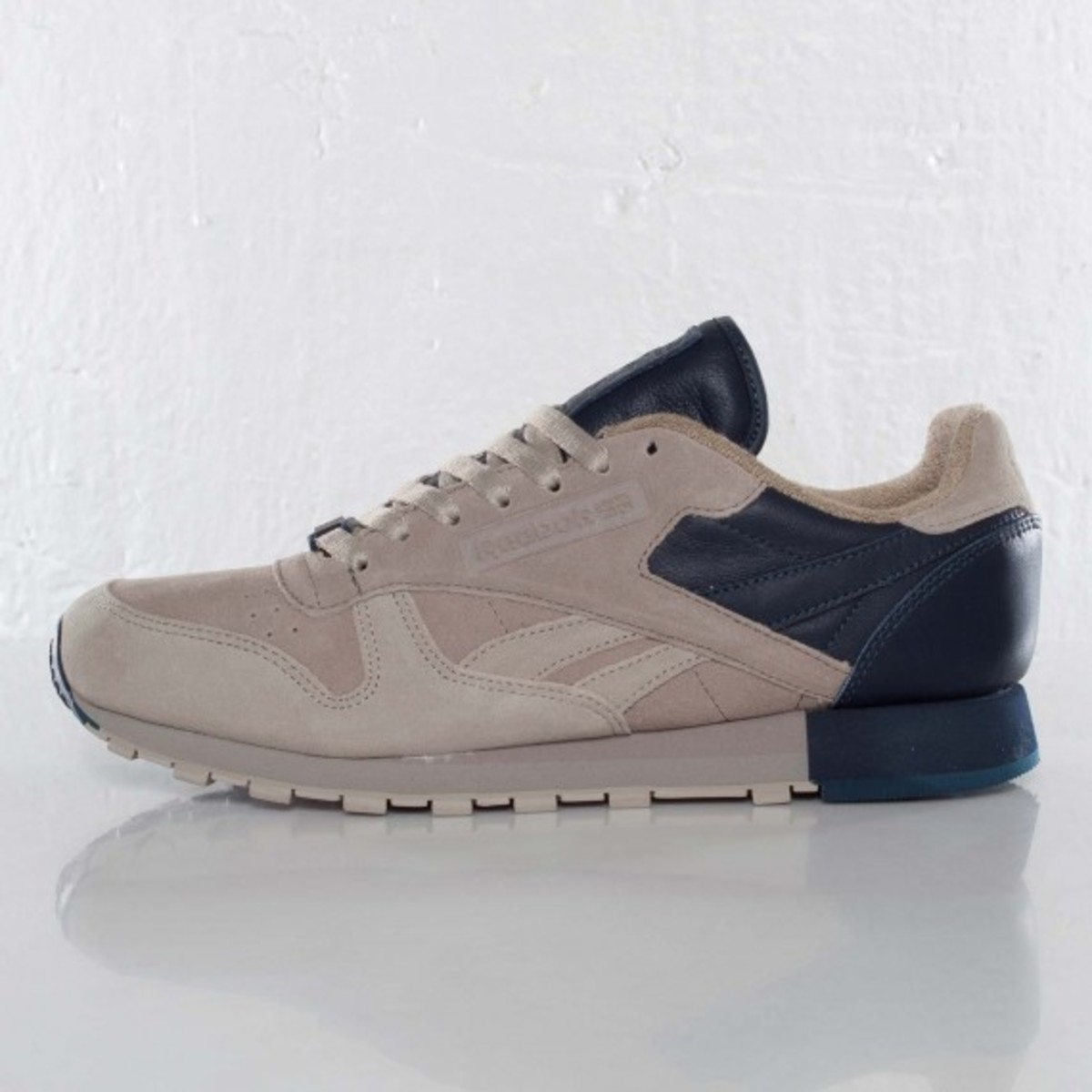 frank-the-butcher-reebok-classic-leather-lux-04