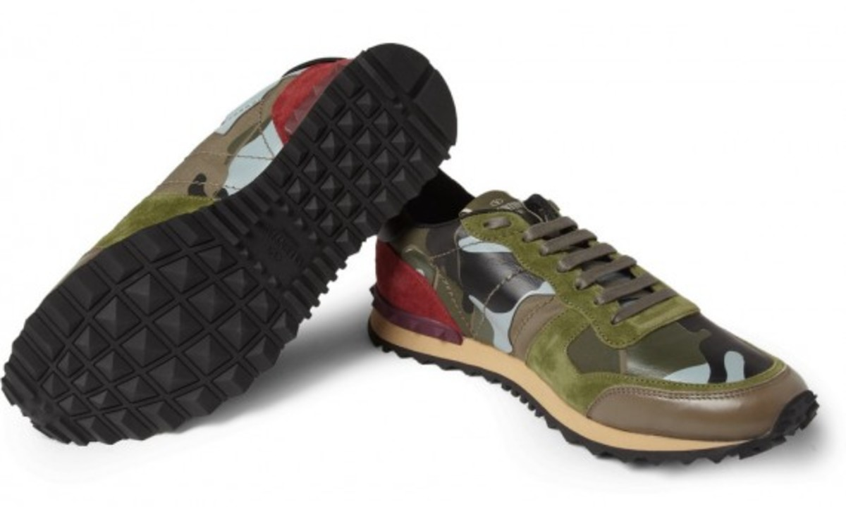 valentino-camouflage-print-leather-and-suede-sneakers-06
