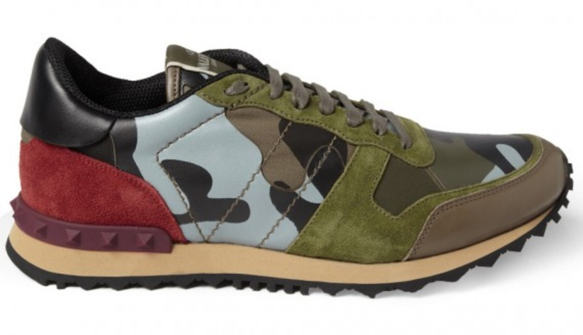 valentino-camouflage-print-leather-and-suede-sneakers-03