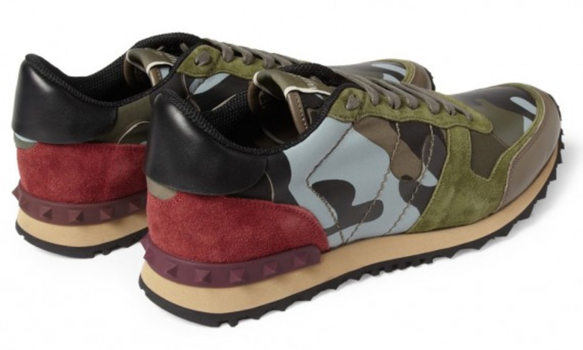 valentino-camouflage-print-leather-and-suede-sneakers-04