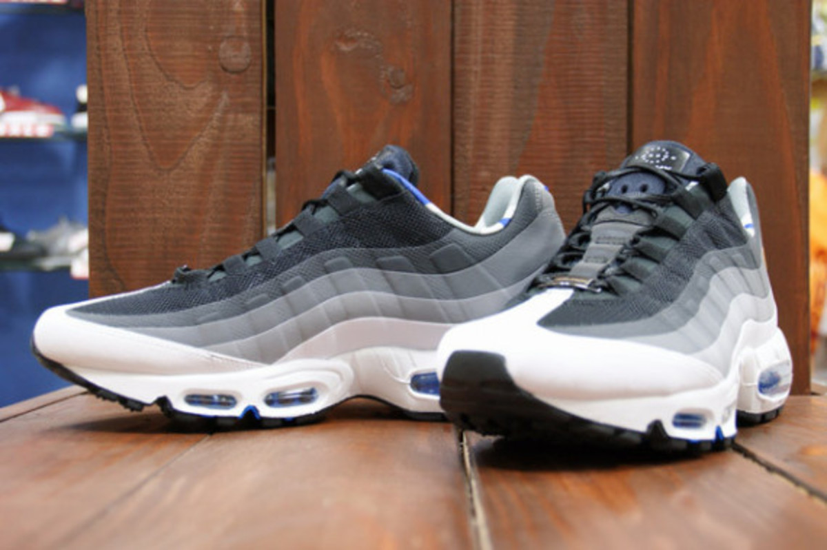 nike-air-max-home-turf-london-collection-12