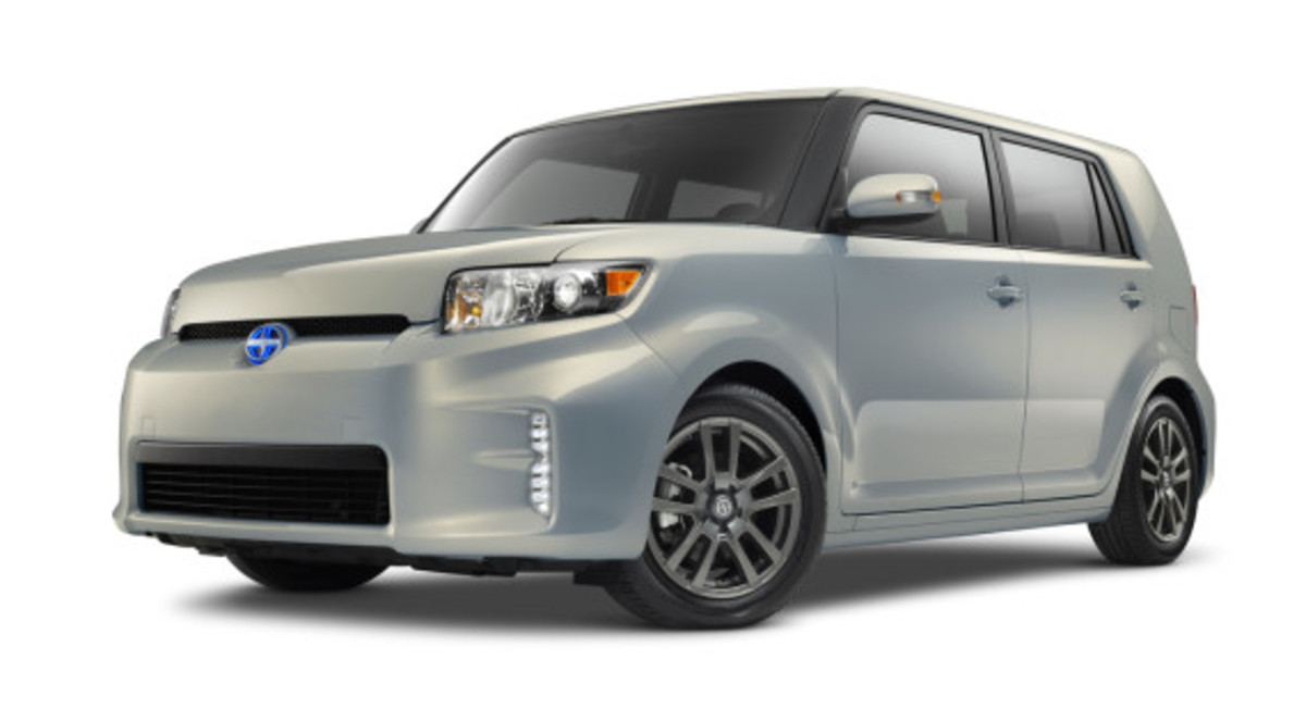 scion-10th-anniversary-special-edition-models-33