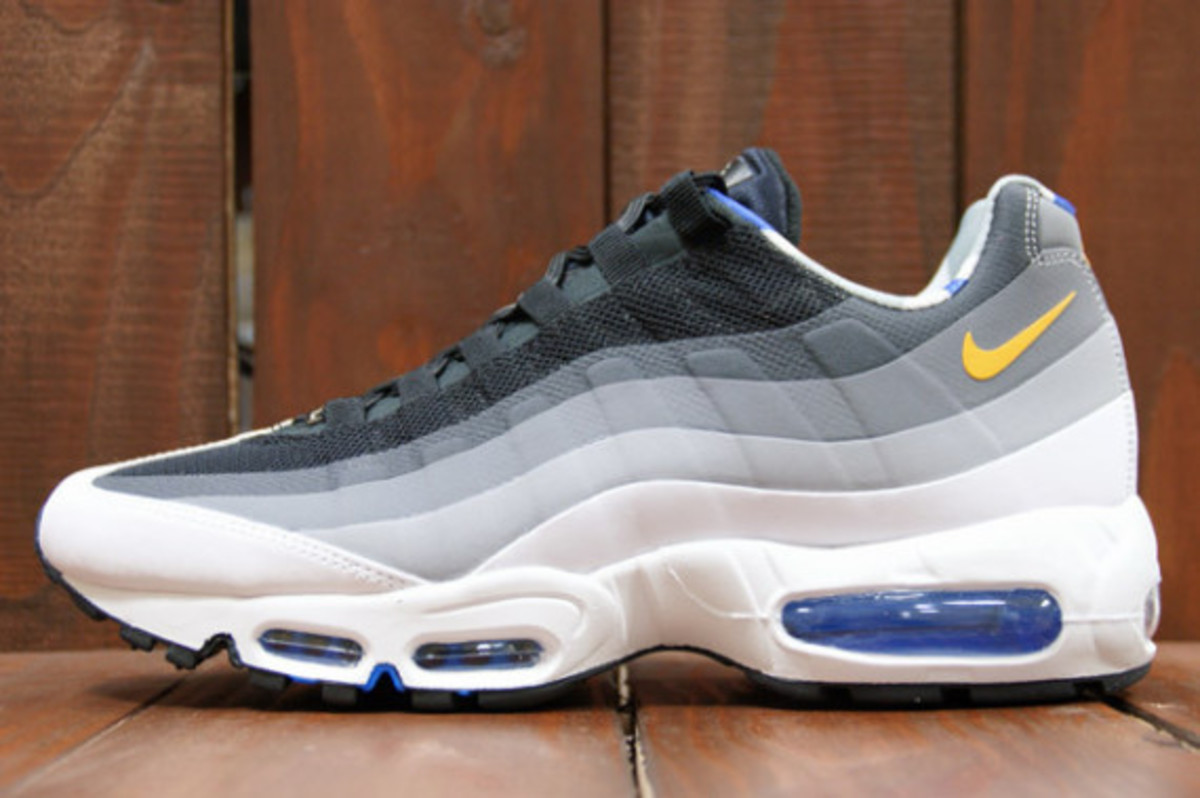 nike-air-max-home-turf-london-collection-13