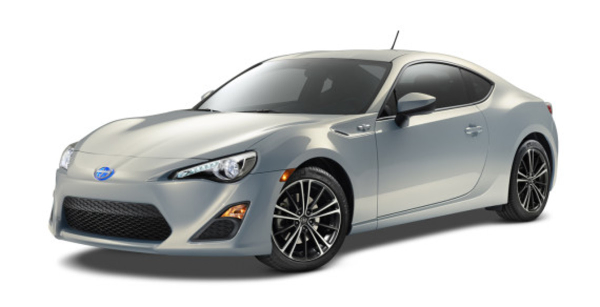 scion-10th-anniversary-special-edition-models-02