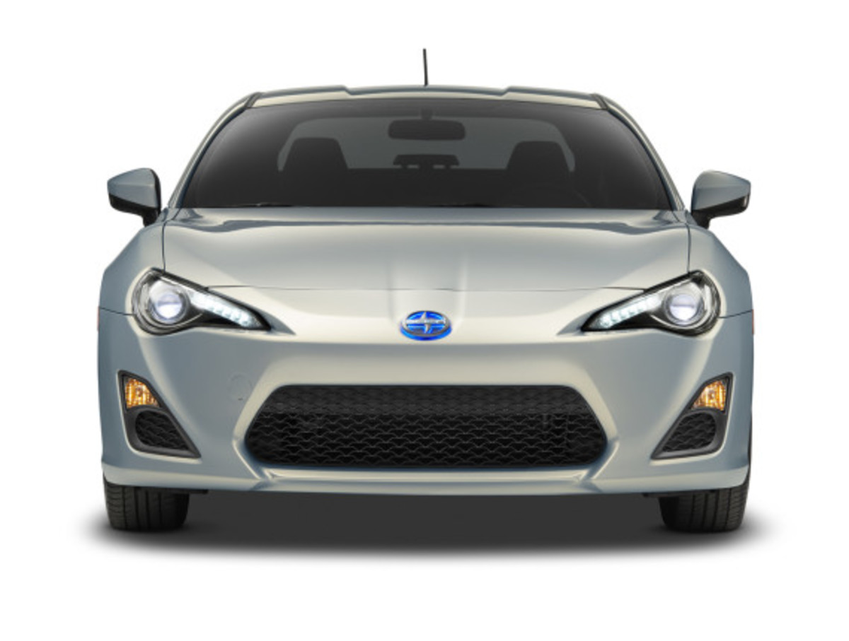 scion-10th-anniversary-special-edition-models-05