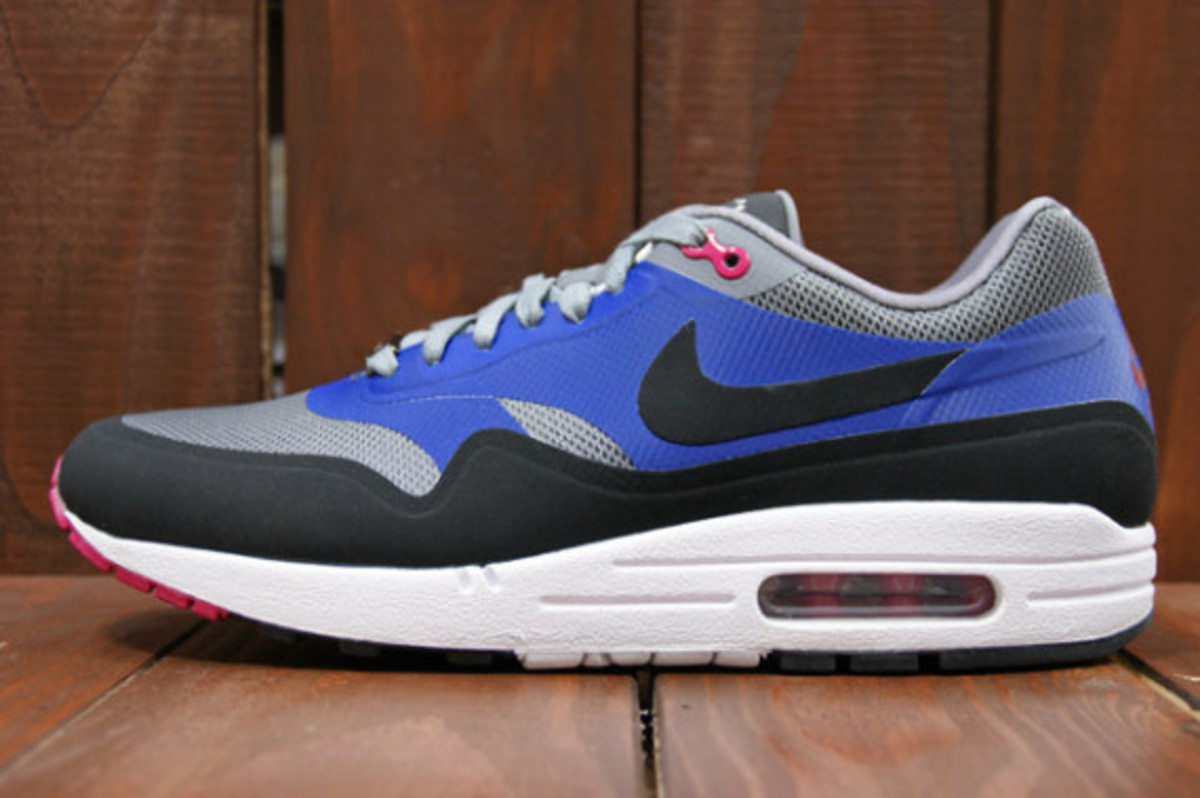 nike-air-max-home-turf-london-collection-03