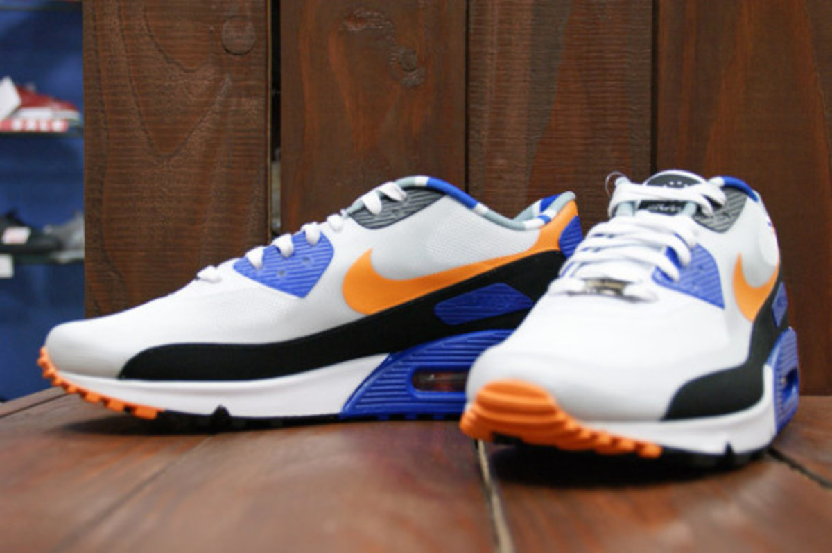 nike-air-max-home-turf-london-collection-07