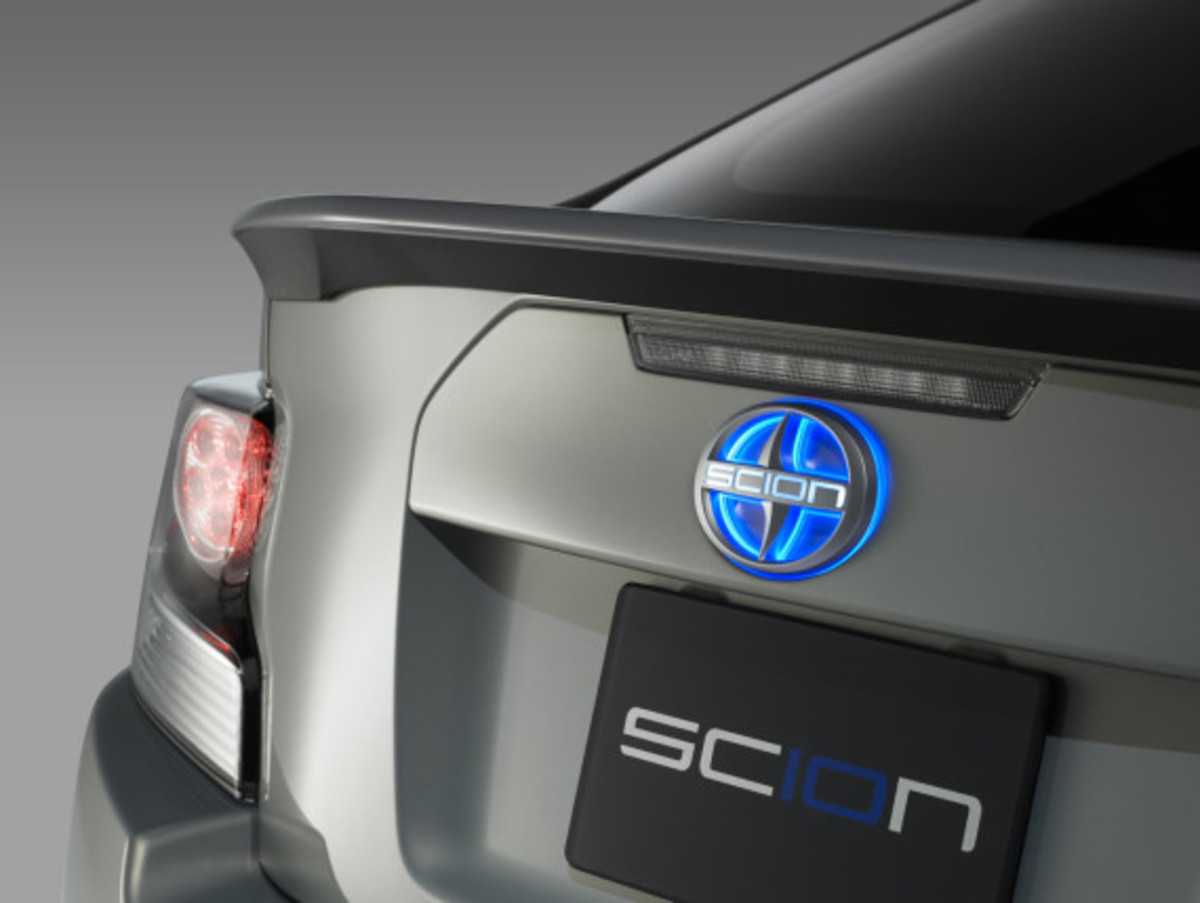 scion-10th-anniversary-special-edition-models-19