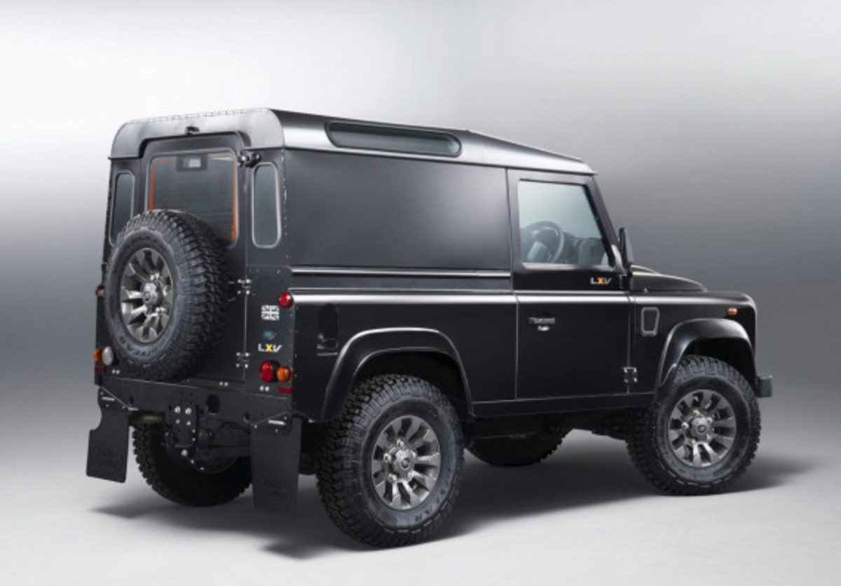 land-rover-65th-anniversary-defender-lxv-edition-03