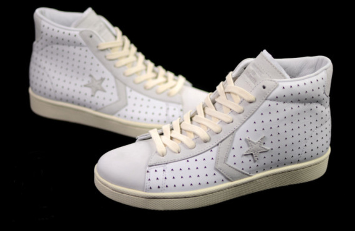 ace-hotel-converse-first-string-pro-leather-04