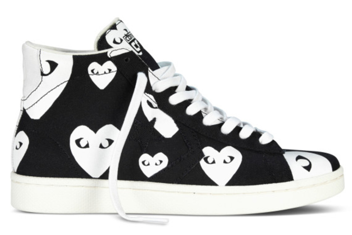comme-des-garcons-play-x-converse-pro-leather-hi-10