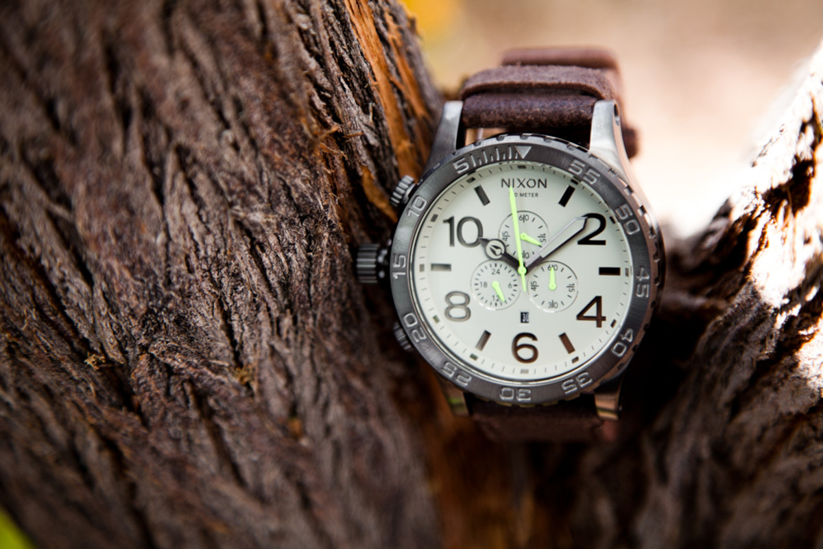 nixon-51-30-gunmetal-brown-1