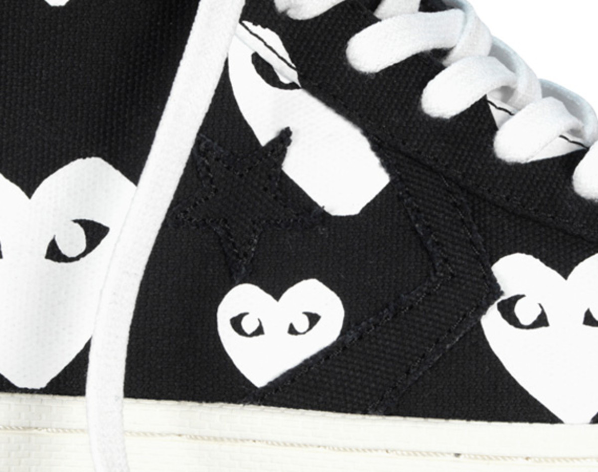 comme-des-garcons-play-x-converse-pro-leather-hi-13