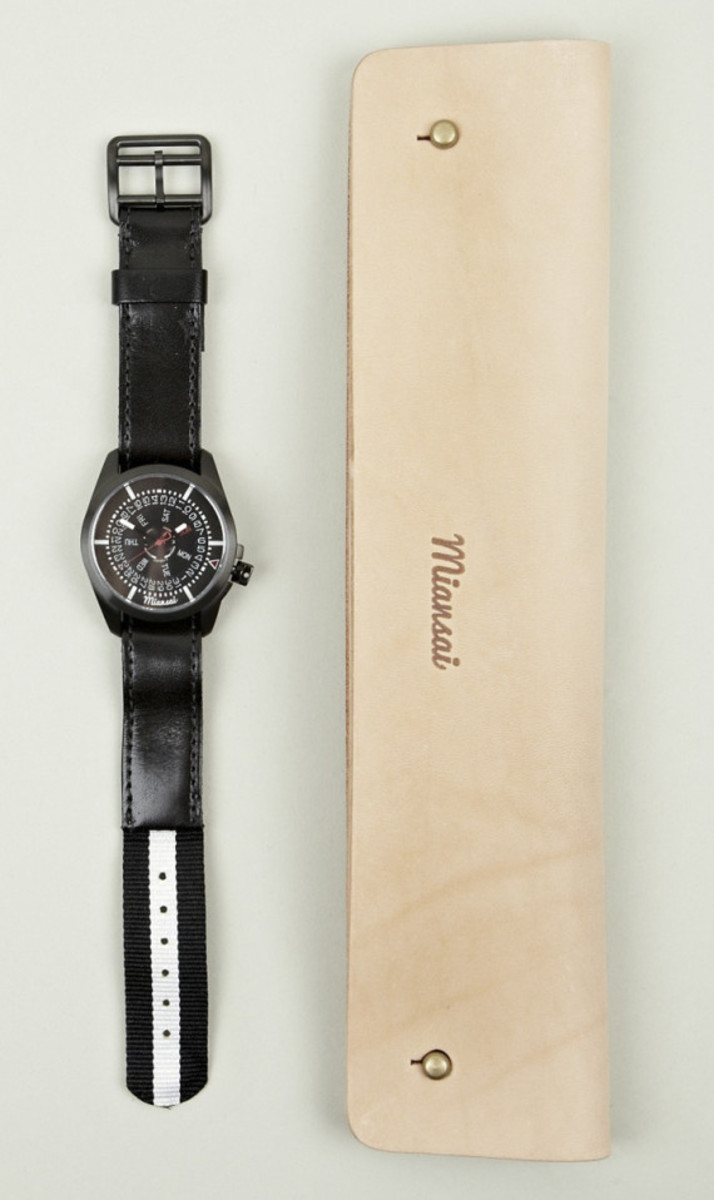 miansai-m1-all-black-ribbon-leather-strap-watch-06