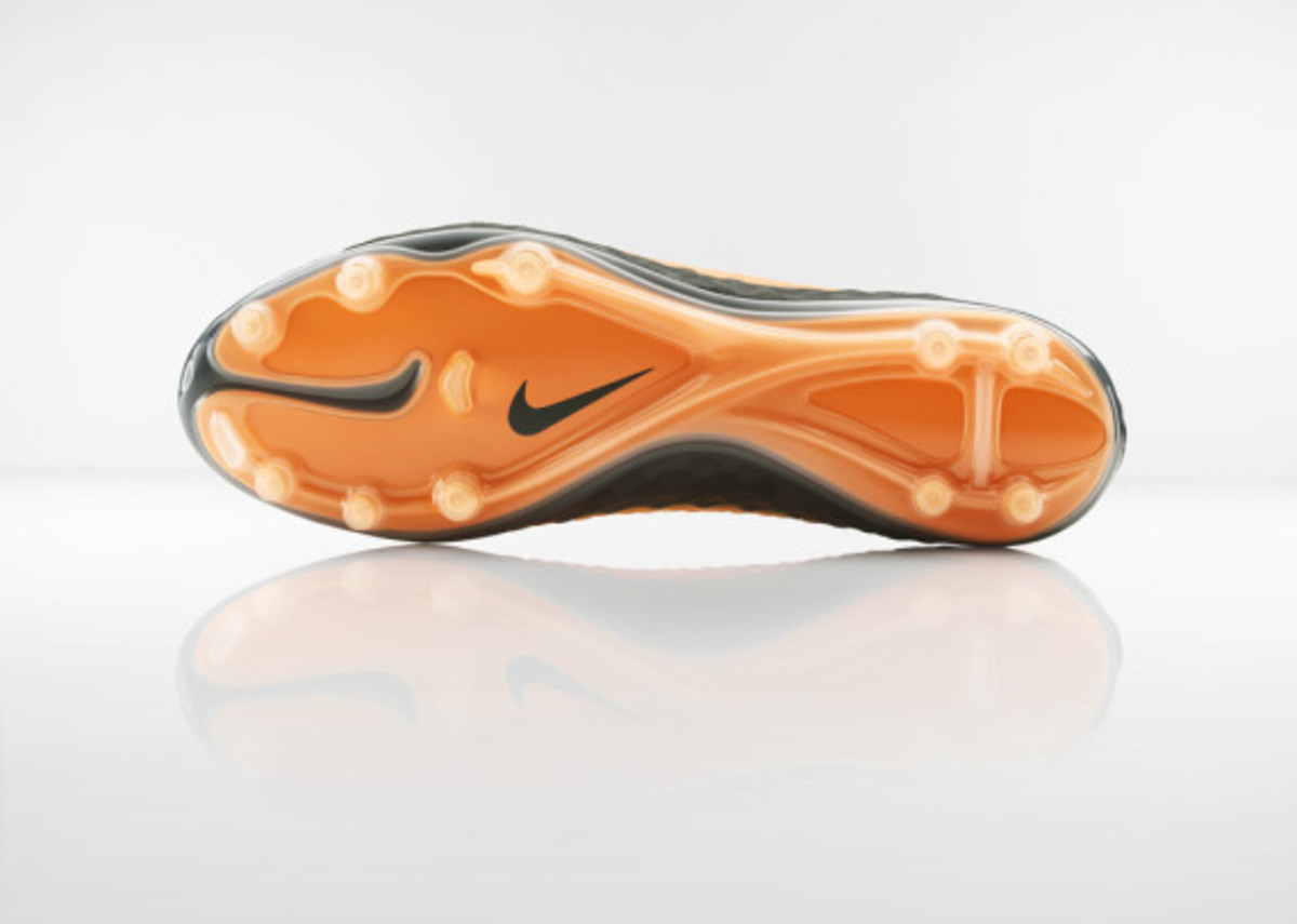 nike-hypervenom-boot-official-unveiled-2