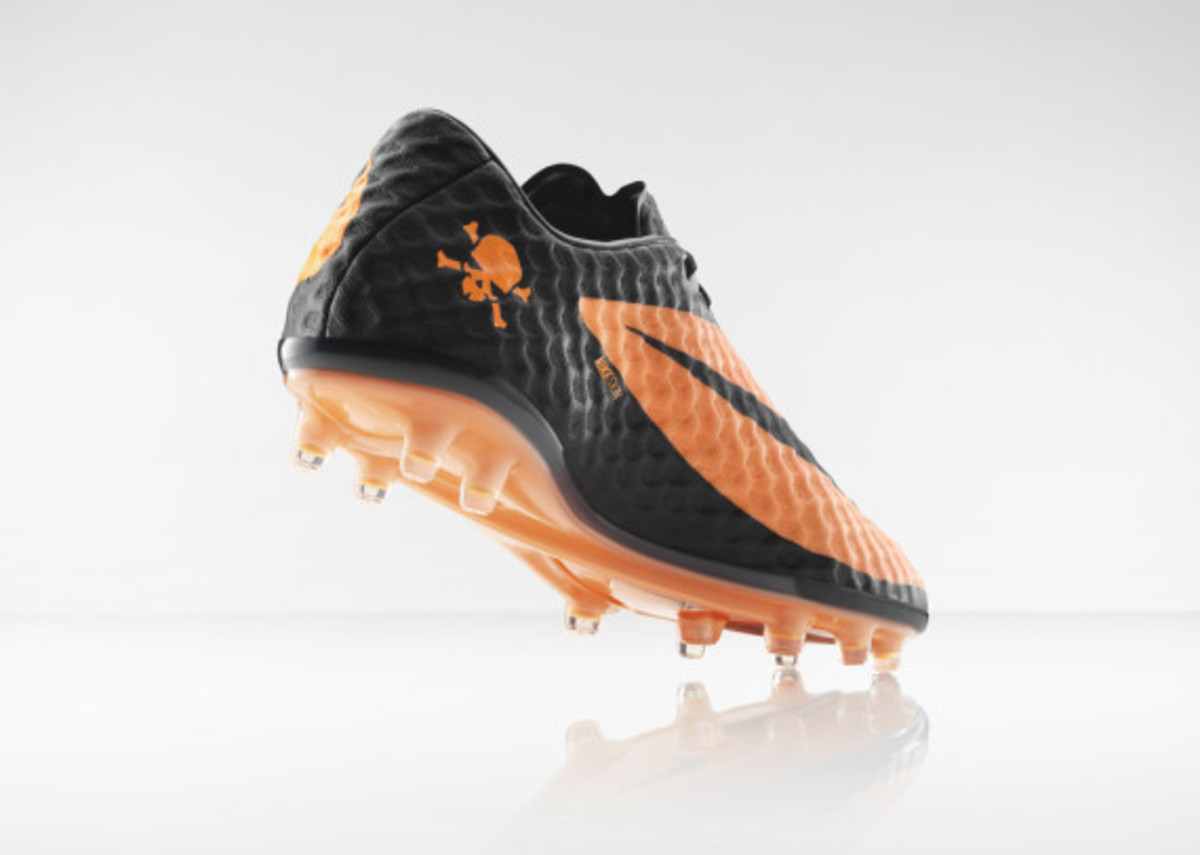 nike-hypervenom-boot-official-unveiled-5