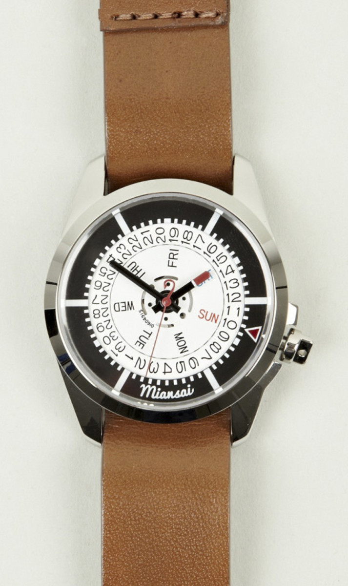 miansai-m1-tan-leather-strap-watch-01