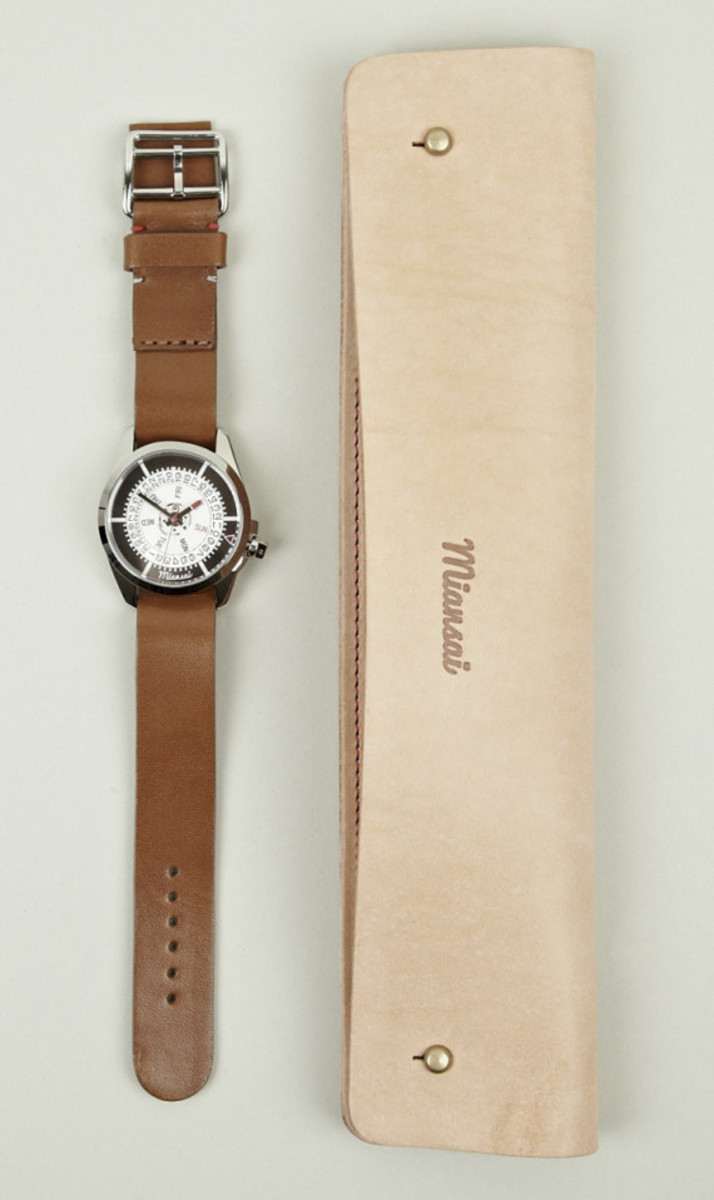 miansai-m1-tan-leather-strap-watch-06