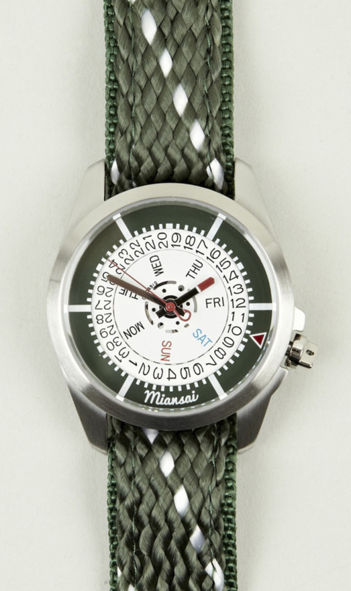 miansai-m1-hunter-rope-brown-leather-strap-watch-01