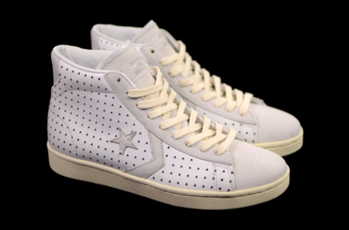 ace-hotel-converse-first-string-pro-leather-02