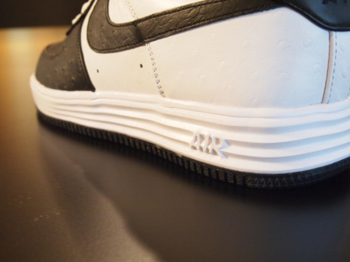 nikeid-air-force-1-id-ostrich-leather-option-04