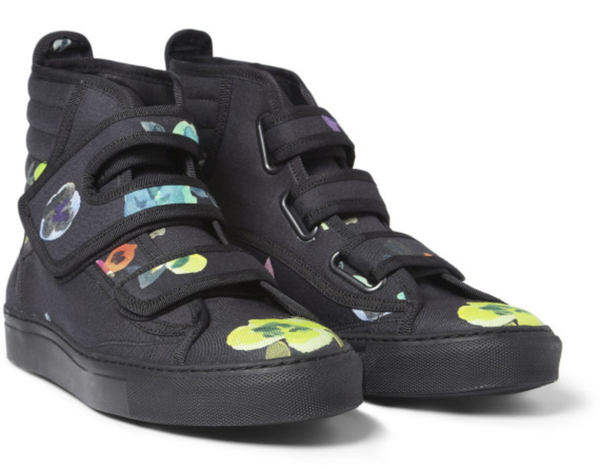 raf-simons-mr-porter-exclusive-flower-print-high-top-sneakers-01