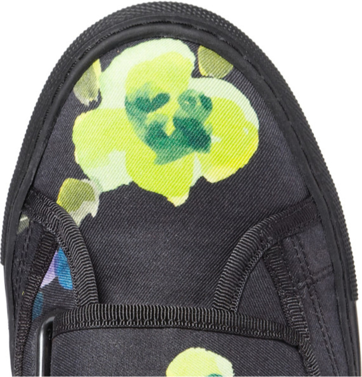 raf-simons-mr-porter-exclusive-flower-print-high-top-sneakers-04