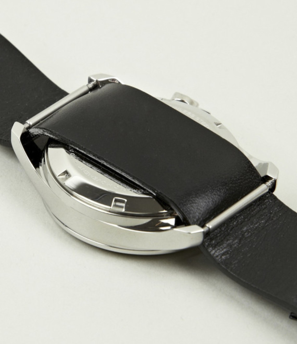 miansai-m1-all-black-leather-strap-watch-05
