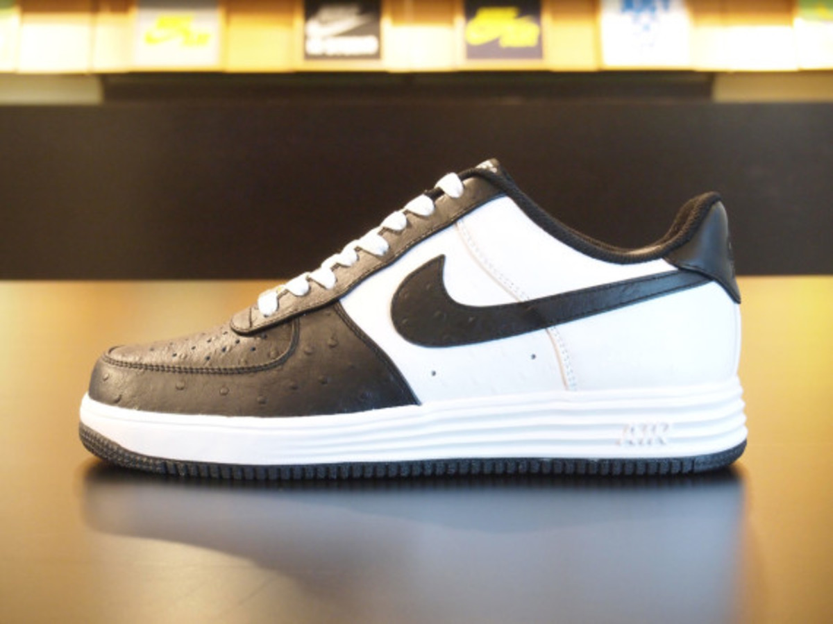 nikeid-air-force-1-id-ostrich-leather-option-02