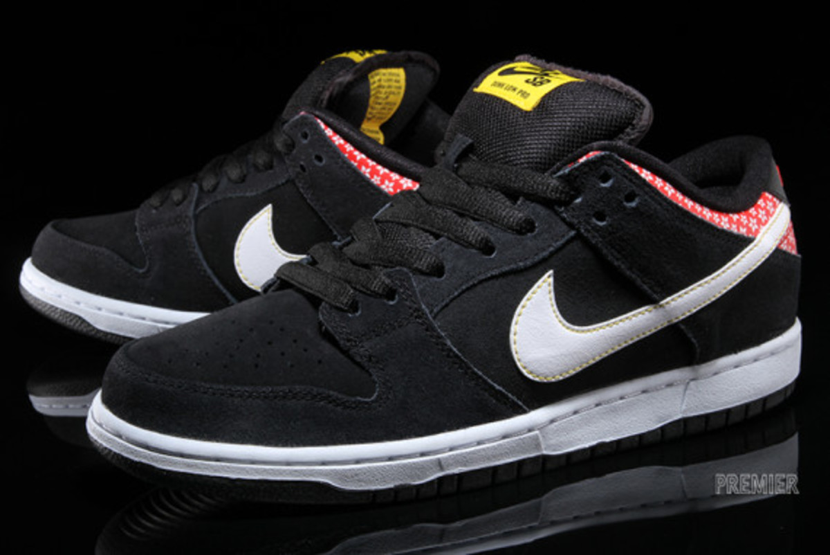 nike-sb-dunk-low-premium-qs-firecracker-pack-available-now-black-02