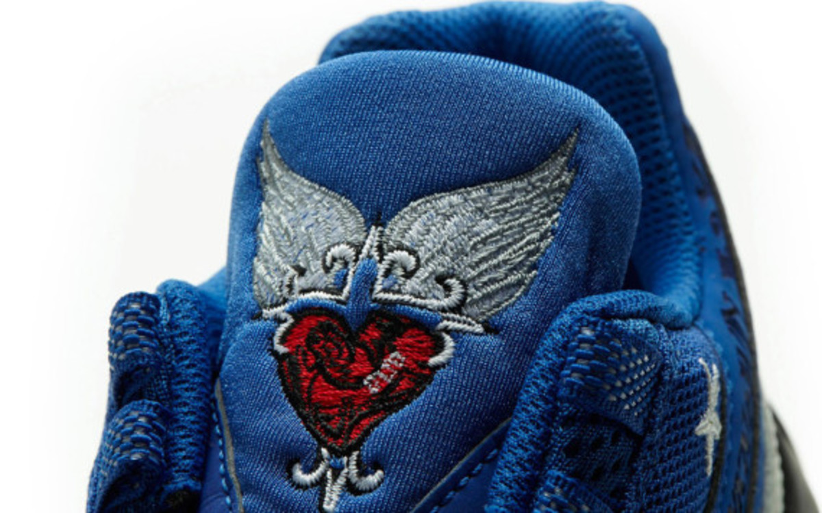 nike-doernbecher-2007-retro-air-max-95-by-mike-armstrong-04