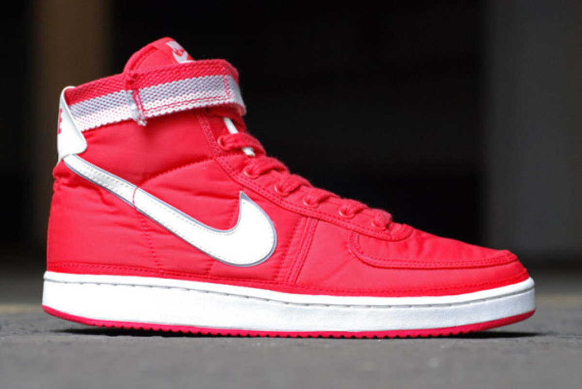 nike-vandal-high-supreme-vntg-pack-05