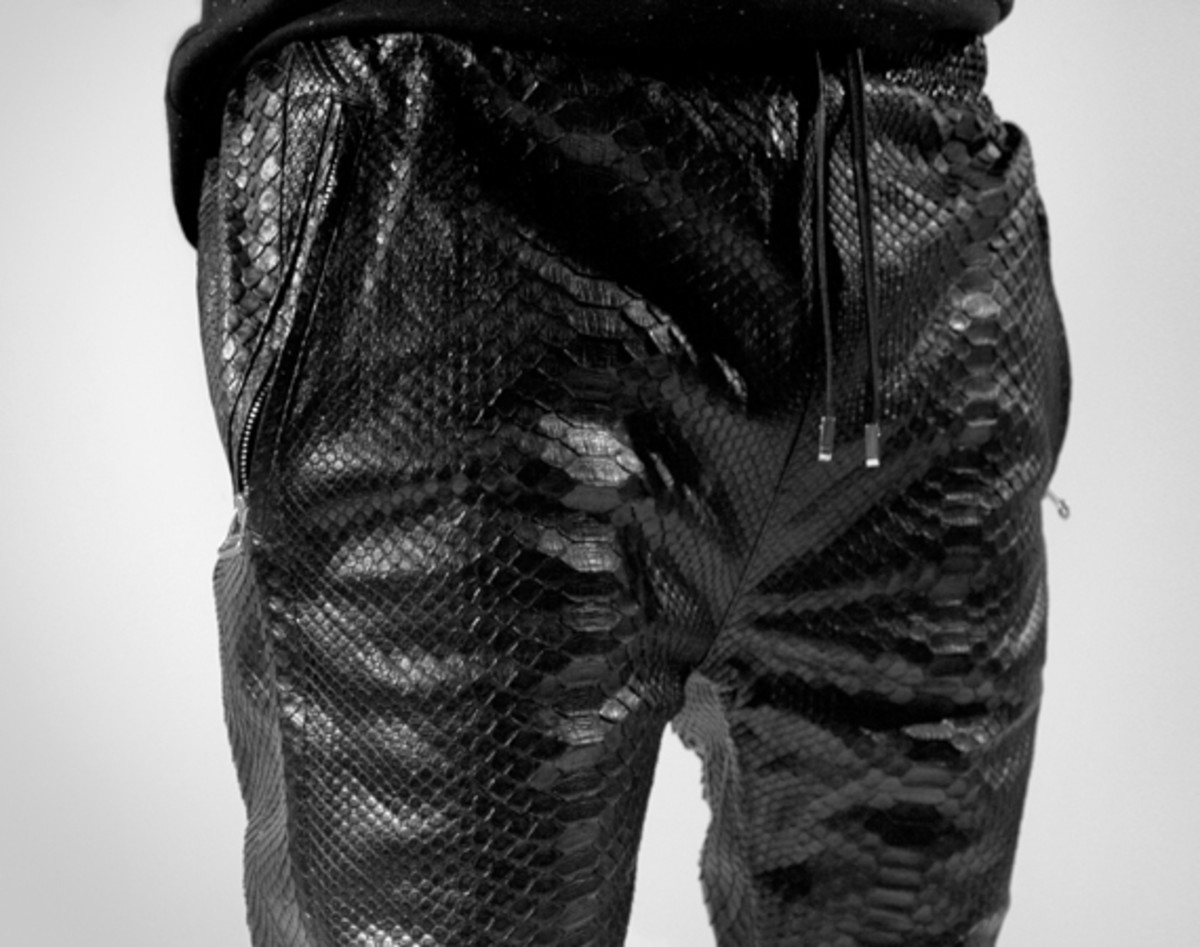 en-noir-python-sweatpants-for-barneys-01