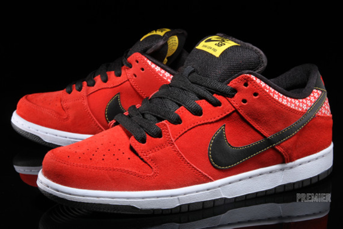 nike-sb-dunk-low-premium-qs-firecracker-pack-available-now-challenge-red-02