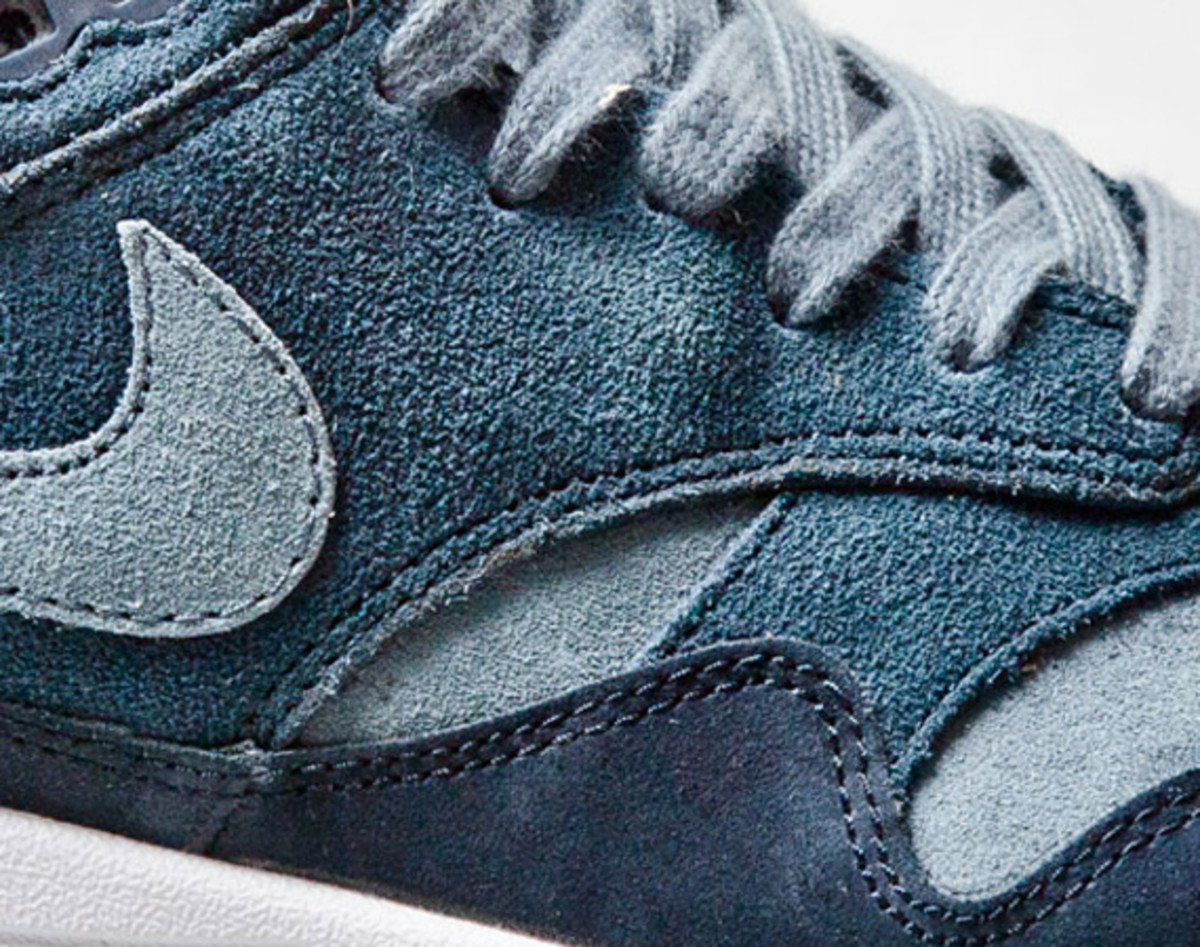 nike-air-max-1-blue-suede-01