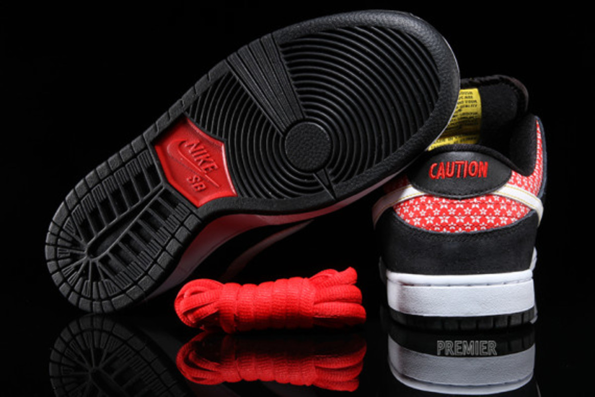 nike-sb-dunk-low-premium-qs-firecracker-pack-available-now-black-03