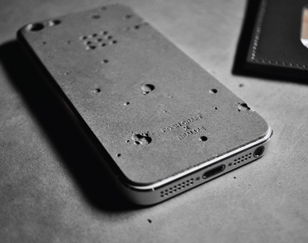 posh-projects-concrete-skin-for-iphone-5-a