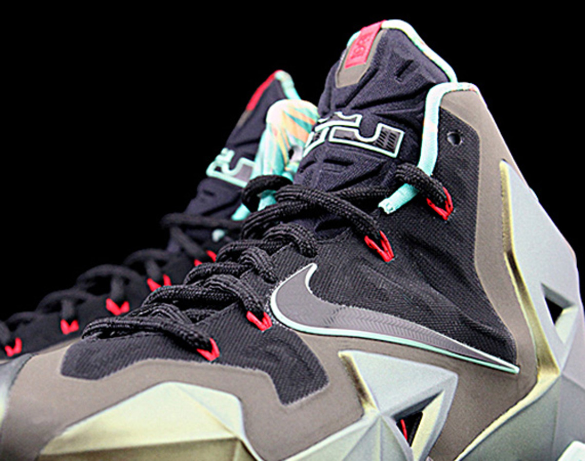 finest selection 4609f 8c78f After a bevy of blurrycam photos, we finally have clearer perspective on  the much anticipated Nike LeBron 11. Clad in