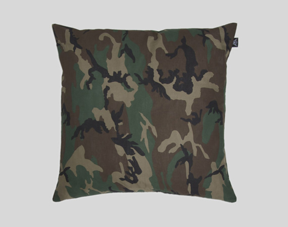 upper-playground-pillows-01
