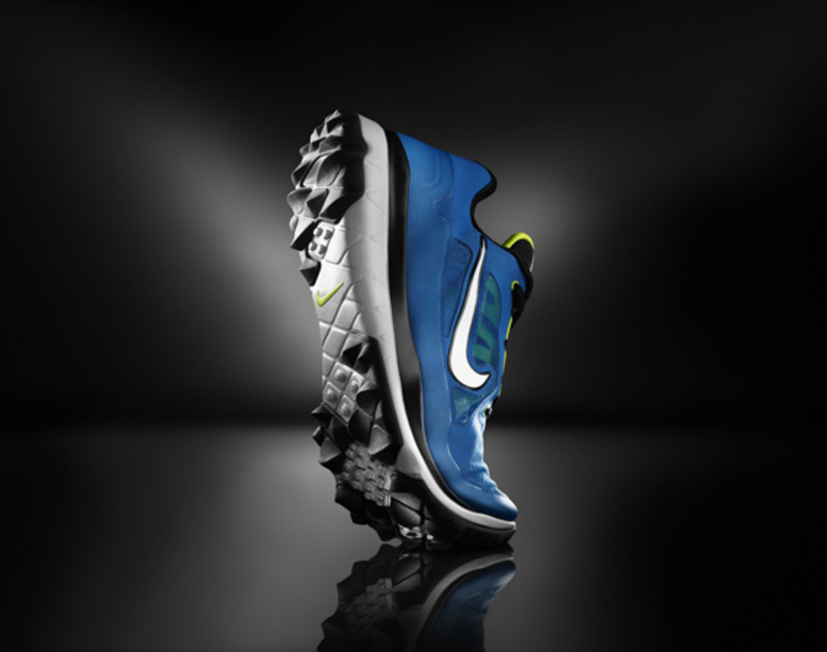 nike-golf-introduces-the-fi-impact-01