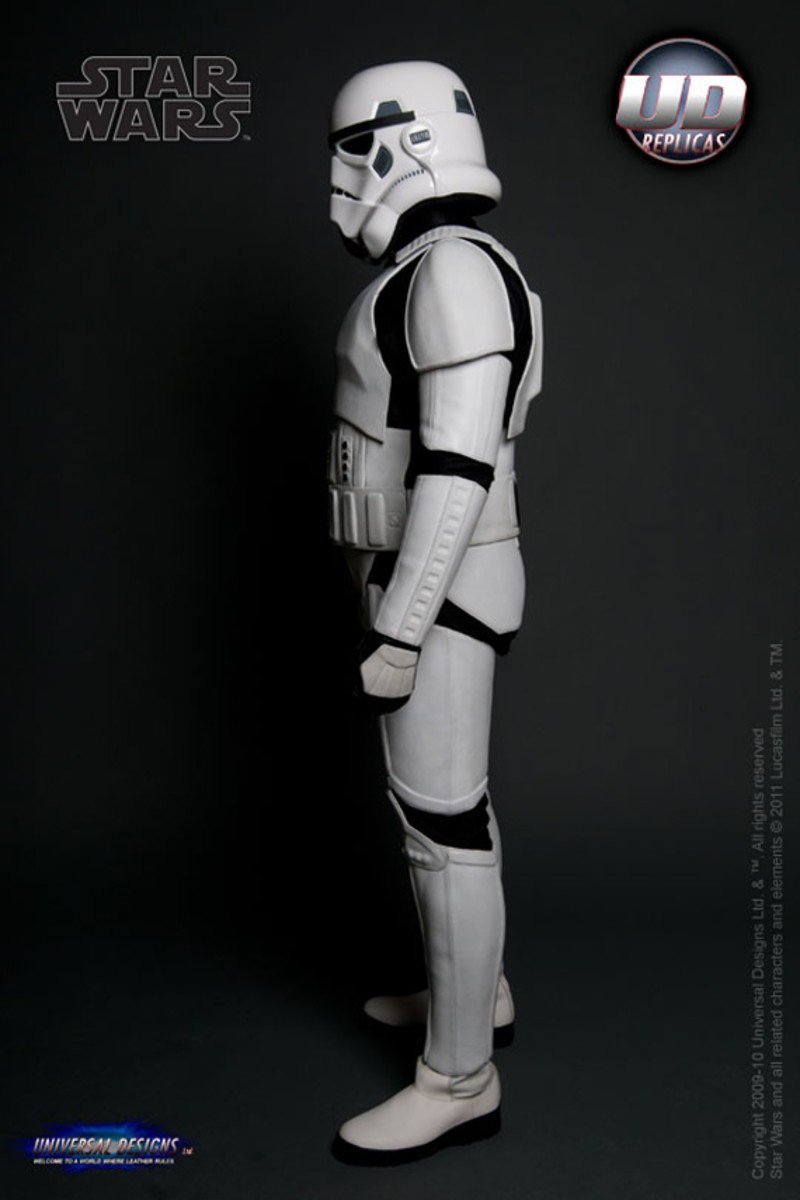 universal-designs-storm-trooper-motorcycle-suit-04
