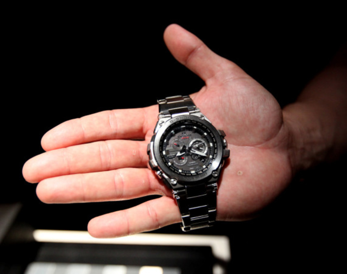 casio-gshock-mtg-s1000-metal-twist-g-shock-presentation-09