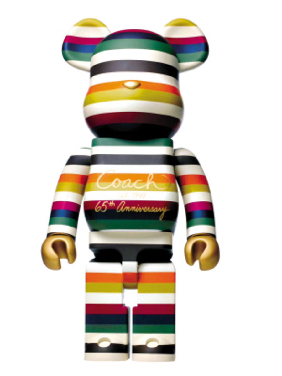 Love is Big Love is BE@RBRICK - Designers for Charity - 3